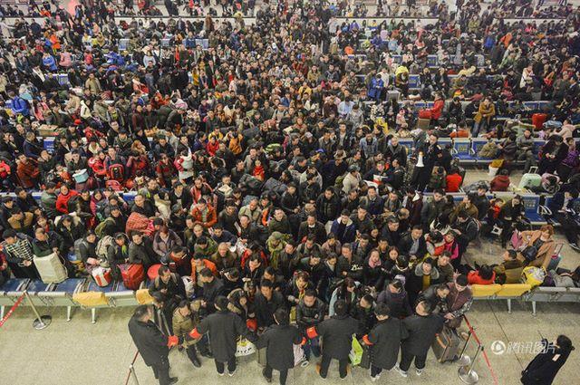Đại di cư TQ: 3 tỉ lượt người dồn dập về quê đón Tết - 6