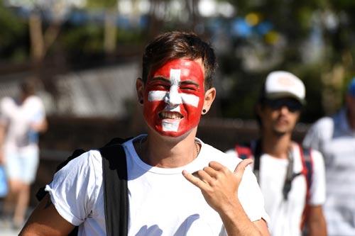 Australian Open 2017: Nóng hừng hực ngày khai màn - 2