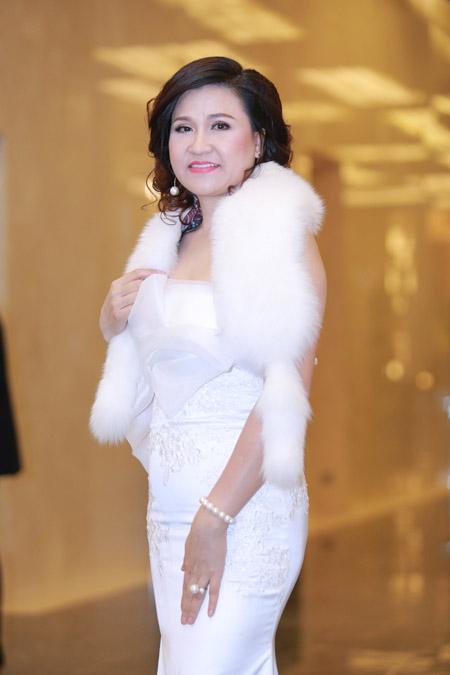 Á hoàng Thu Lộc rạng rỡ trong đêm dạ tiệc Lady Luxury Night - 1