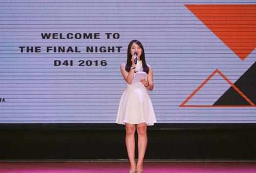 Bất ngờ nữ sinh 18 tuổi dẫn bản tin thời sự quốc tế VTC - 4
