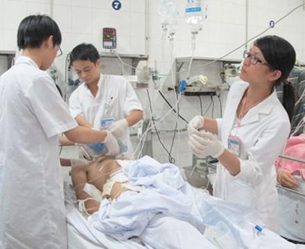 Chưa Tết đã ùn ùn nhập viện vì tai nạn do bia rượu - 1