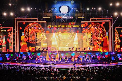 """Mãn nhãn """"show diễn của những kỷ lục"""" VinID 2017 - 2"""