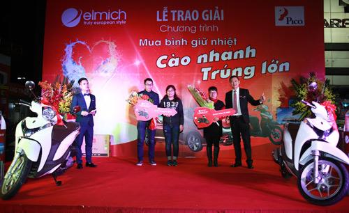 550 triệu trao tay khách hàng trúng giải Đặc biệt của Elmich - 2