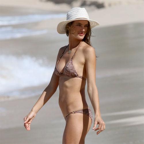 """Bộ sưu tập bikini nhỏ xíu cực đẹp của """"bom sex Brazil"""" - 5"""