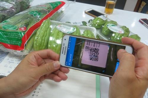 Người dân TPHCM có thể truy xuất nguồn gốc rau bằng điện thoại - 3