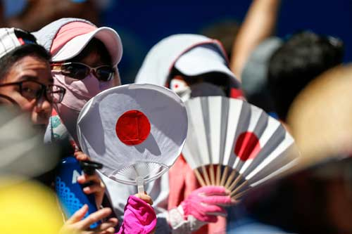 Australian Open ngày 1: Wawrinka khổ chiến 5 set - 7