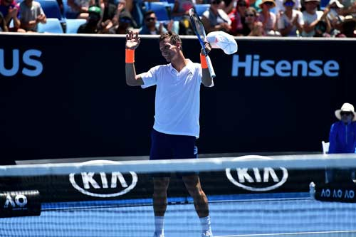Australian Open ngày 1: Wawrinka khổ chiến 5 set - 6