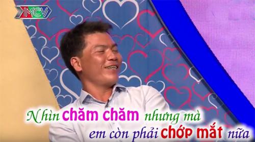 """""""Vác dùi đục đi tán gái"""", chàng trai xứ Nghệ dậy sóng truyền hình - 1"""