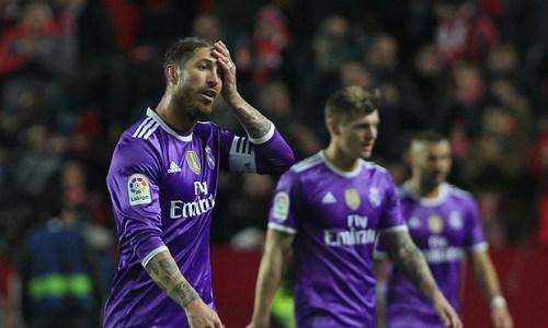"""Tiêu điểm V18 La Liga: Real thua, cả """"làng"""" mở hội - 1"""