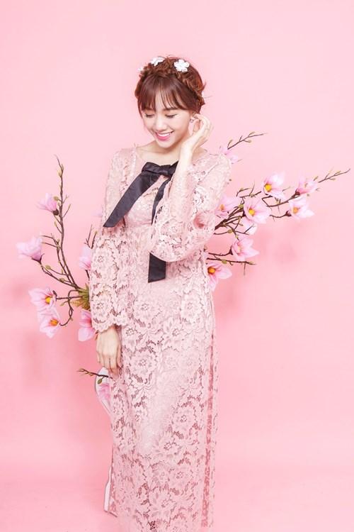 Hari Won xinh như búp bê với áo dài ren lạ mắt - 6