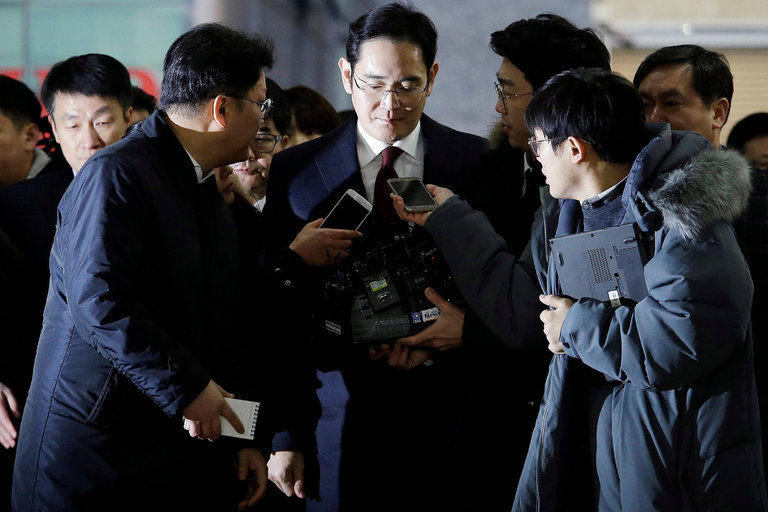HQ định bắt sếp Samsung vì dính bê bối của Tổng thống - 1