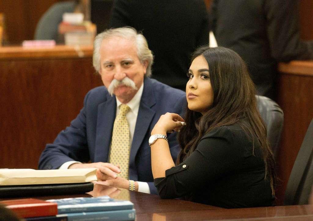 Mỹ: Cô giáo có thai với nam sinh bị kết án 10 năm tù giam - 2