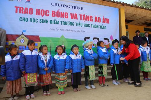 Tâm Bình tặng quà Tết và khám chữa bệnh miễn phí cho người nghèo - 2