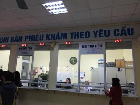 """Bộ trưởng Bộ Y tế giật mình với tấm biển """"bán phiếu"""" ở bệnh viện - 1"""