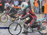 Thể thao - Dàn xe độc chiến trong mưa đua xe đường thẳng ở Bình Dương
