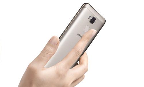 """Ra mắt Bavapen James Bond: Smartphone Việt phiên bản """"siêu điệp viên"""" - 3"""