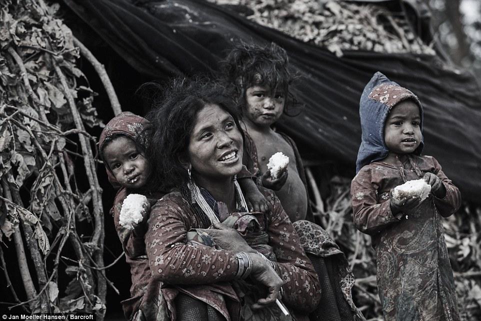 Nepal: Kỳ lạ bộ lạc cổ xưa di cư mỗi khi có người qua đời - 3