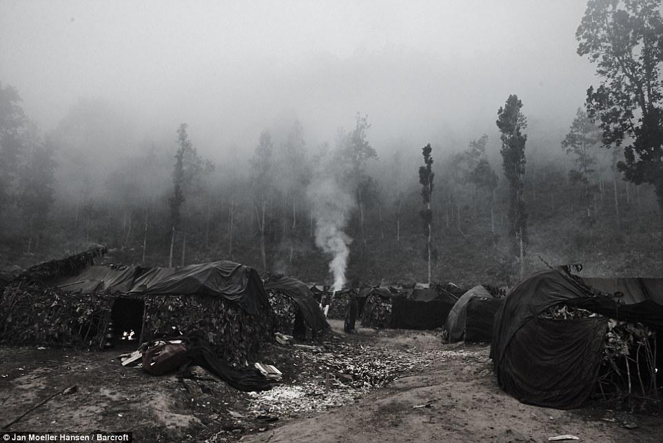 Nepal: Kỳ lạ bộ lạc cổ xưa di cư mỗi khi có người qua đời - 5