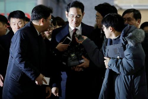 Phó chủ tịch Samsung có nguy cơ bị bắt khẩn cấp vì tham nhũng - 1