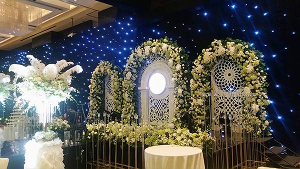 Những con số và khách mời đặc biệt từ đám cưới HH Thu Ngân - 1