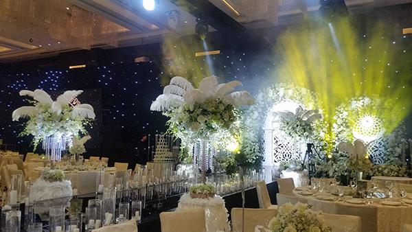 Những con số và khách mời đặc biệt từ đám cưới HH Thu Ngân - 2