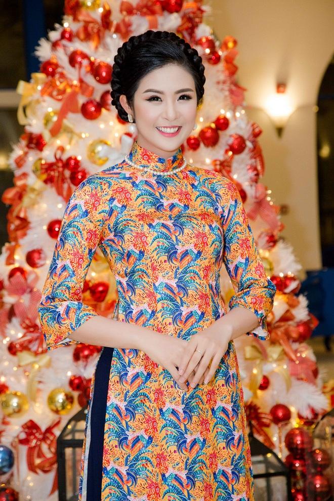Hoa hậu Thu Ngân, Kỳ Duyên diện họa tiết gà đẹp ngút mắt - 4