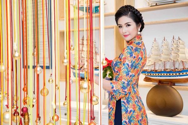 Hoa hậu Thu Ngân, Kỳ Duyên diện họa tiết gà đẹp ngút mắt - 5