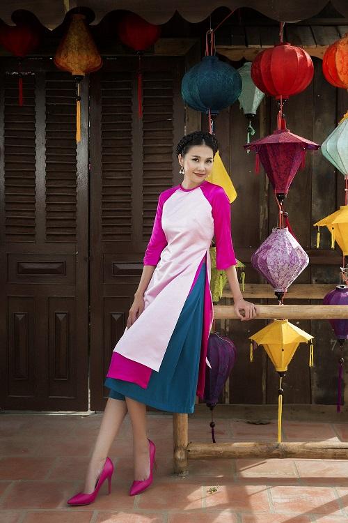 Thanh Hằng diện áo dài khoe sắc thắm bên vườn xuân - 6