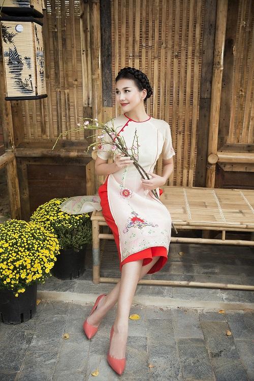 Thanh Hằng diện áo dài khoe sắc thắm bên vườn xuân - 8