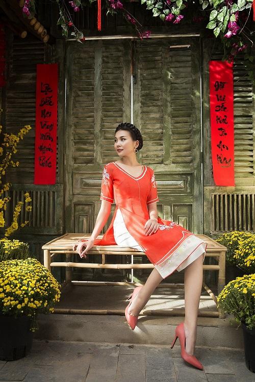 Thanh Hằng diện áo dài khoe sắc thắm bên vườn xuân - 10