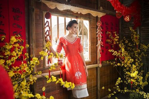 Thanh Hằng diện áo dài khoe sắc thắm bên vườn xuân - 11