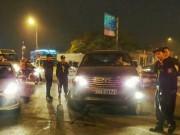 Tin tức trong ngày - Lái xe biển xanh 80A chống đối cảnh sát