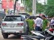 Truy lùng nhóm người nước ngoài đâm lốp ô tô trộm tài sản