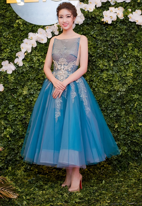 Huyền My, Mỹ Linh dẫn đầu top mặc đẹp với mốt thấu da - 2