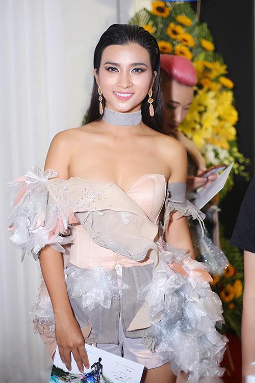 Huyền My, Mỹ Linh dẫn đầu top mặc đẹp với mốt thấu da - 10
