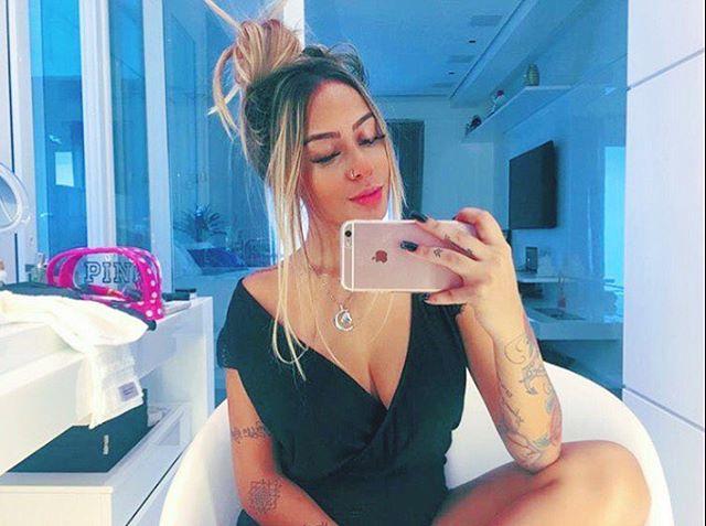 Sắc vóc quá gợi tình của em gái tiền đạo Neymar - 7