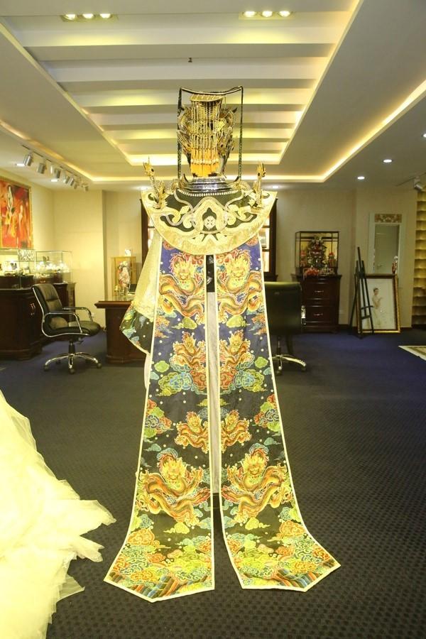 Ngắm gần Hoài Linh gầy gò diện phục trang táo quân nặng hơn 10kg - 4