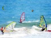 Thể thao - Siêu ấn tượng: Lướt ván xoay 720 độ chóng mặt trên biển