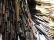Tượng khổng lồ làm từ 100.000 con dao ở Anh