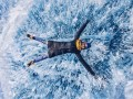 Dạo chơi trên mặt băng giữa hồ sâu nhất thế giới