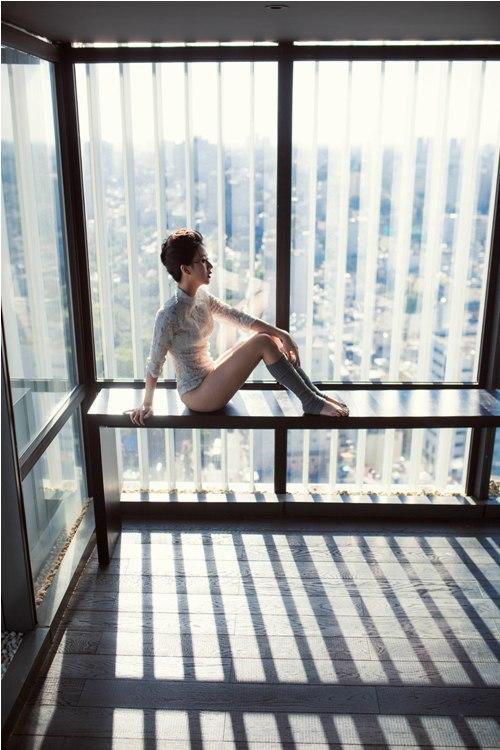 Hot girl Quỳnh Anh Shyn mặc bodysuit khoe chân thon dài tuyệt đẹp - 5