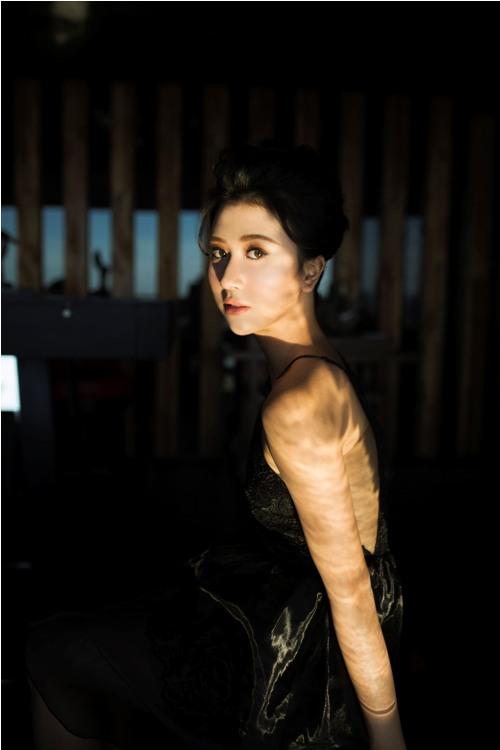 Hot girl Quỳnh Anh Shyn mặc bodysuit khoe chân thon dài tuyệt đẹp - 12