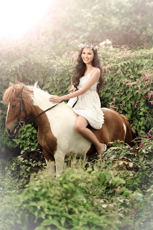 """Khoảnh khắc """"bung lụa"""" của kiều nữ Việt trên lưng ngựa - 5"""