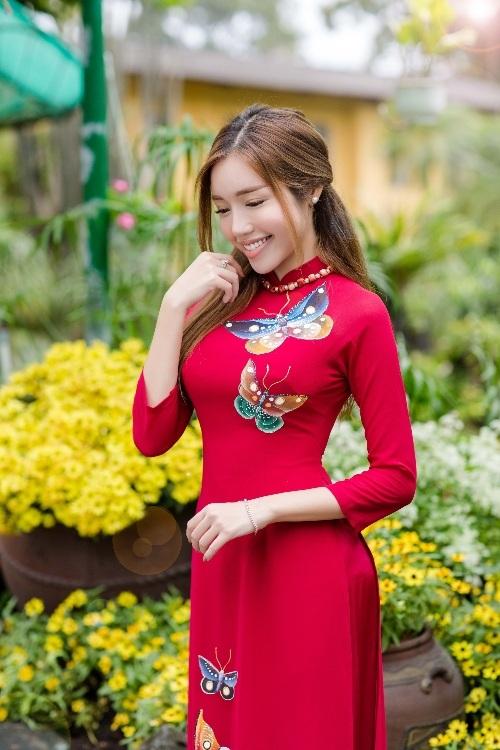 Elly Trần xinh như tiên nữ, cùng con gái rạng rỡ du xuân - 2
