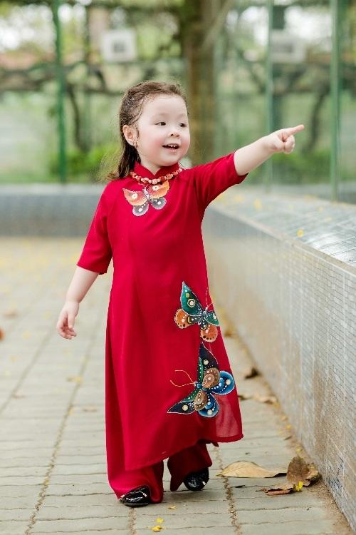 Elly Trần xinh như tiên nữ, cùng con gái rạng rỡ du xuân - 8