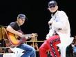"""Sơn Tùng mang cả """"nhà"""" lên sân khấu khoe fan"""