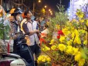 Du lịch - Bến hoa cổ nhất Sài Gòn nhộn nhịp trong đêm