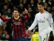 """2017: Ronaldo đang """"hít khói"""" Messi, sao đuổi kịp QBV"""