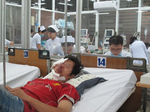 Bợm nhậu dồn dập vào Bệnh viện Chợ Rẫy - 1
