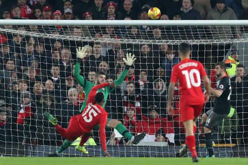 Liverpool tụt dốc thê thảm: Lỗi lầm của Klopp - 2